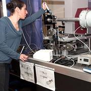 רונה שהרבני, דוקטורנטית בבית הספר לכימיה, היא שותפה מובילה במחקר ראשון מסוגו על טרשת נפוצה