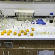ביצוע אנליזות מים מתקדמות במעבדה