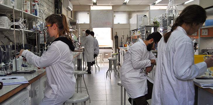 בוגרינו משתלבים בתפקידי מפתח במחקר ובתעשייה
